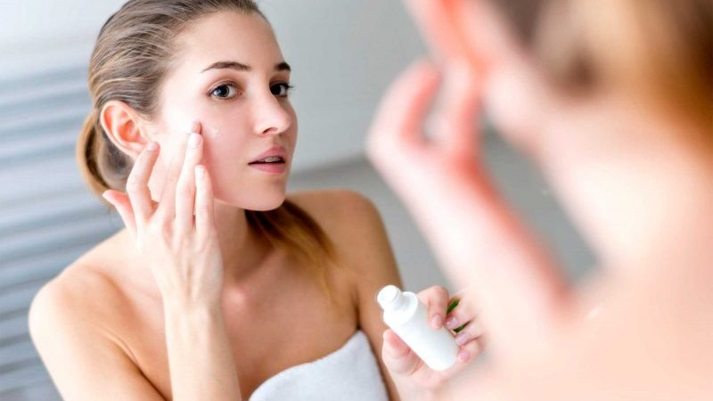 Best Moisturizer for Acne Prone Skin | 2019 Reviews