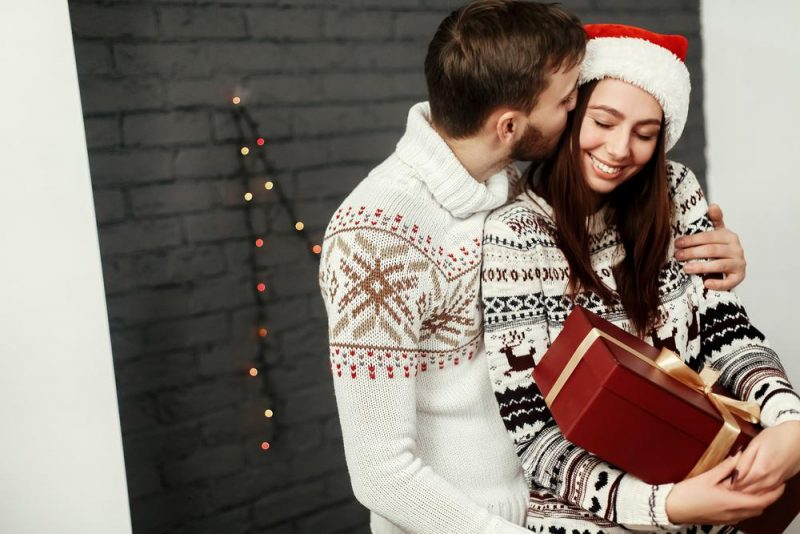 2e8240d57 What To Get Your Girlfriend For Christmas 2019 | Top 60 Best Cute Gifts