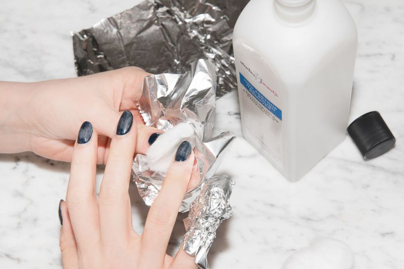 foil method remove nail polish