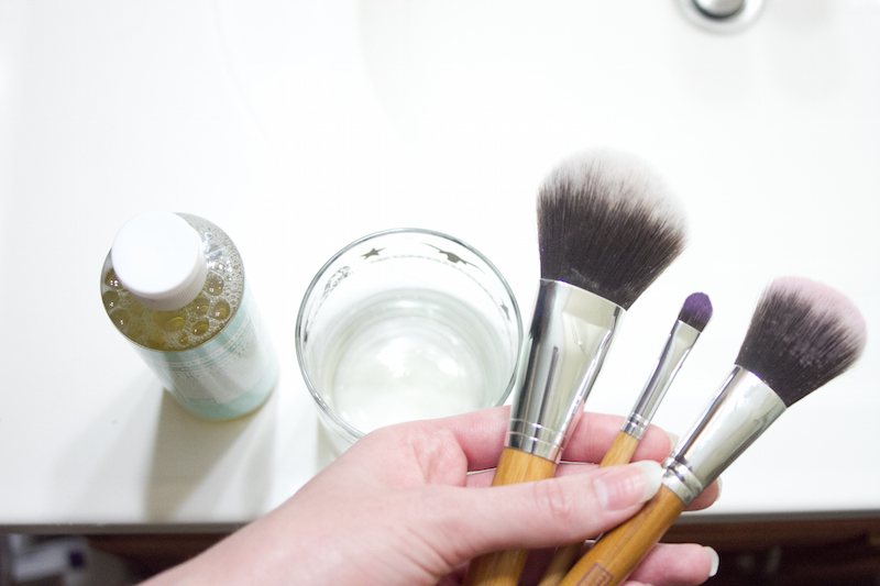 Cleaning-Your-Makeup-Brushes-Step-1