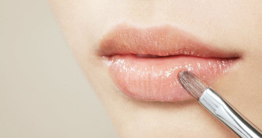 10 Best Lip Plumper Glosses For 2019 | Lip Plumper Review