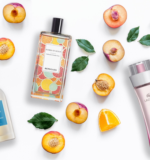 Best Fruity Perfumes & Fragrances For Women's